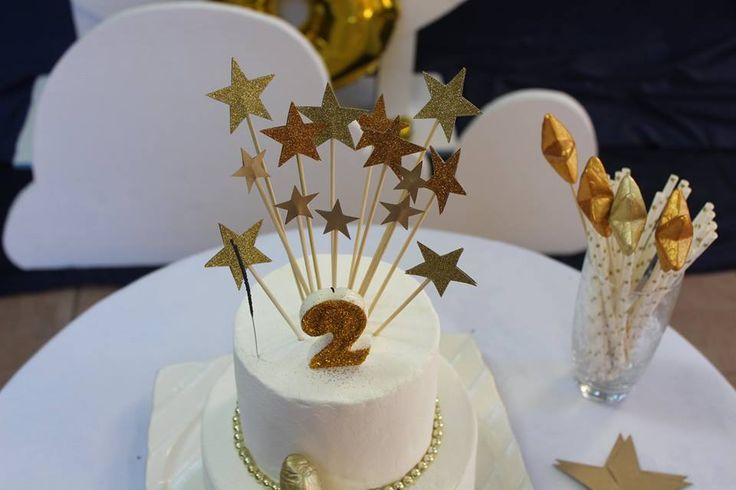 Gold + Glitter + Star themed birthday party ; twinkle twinkle little start party theme cake toppers
