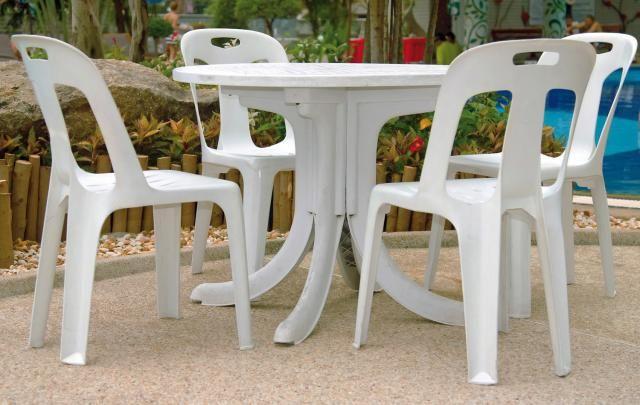 Régi beszürkült kerti műanyag székek, asztalok újjá varázsolása