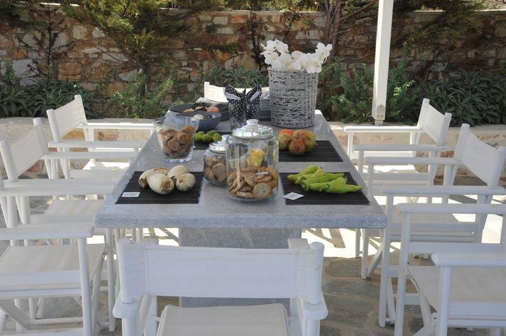 The Grand Pergolas Outdoor Dining.