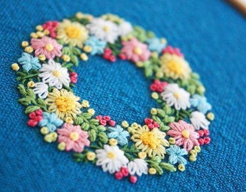 いいね!608件、コメント6件 ― @yula_handmade_2008のInstagramアカウント: 「2017.2.10 . 小花のリース . .…」