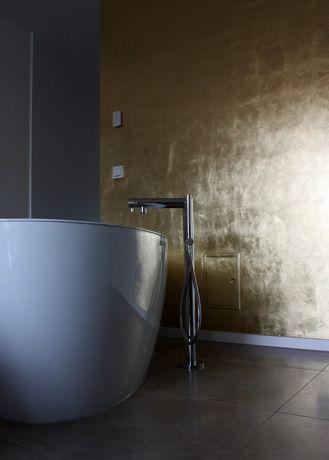 Wandvergoldung im Badezimmer.  ©Wandlungen