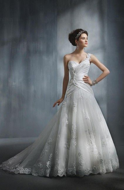 Disney Princess A-line Sleeveless Edging Sweetheart Tulle Bridal Gown