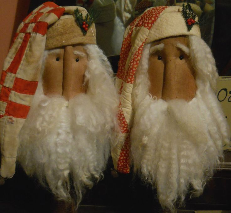 The Olde Country Cupboard: Working on Santa makedos and candle dipping