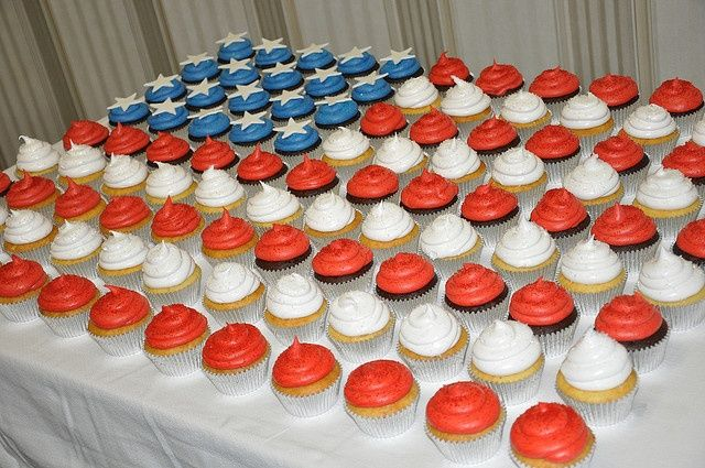 deployment cupcakes | This would be great to do when Josh comes back ... | deployment ideas