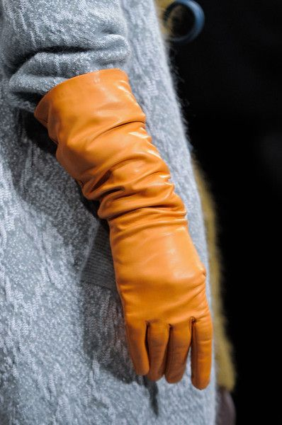 Christian Wijnants Fall 2014 - Leather Gloves