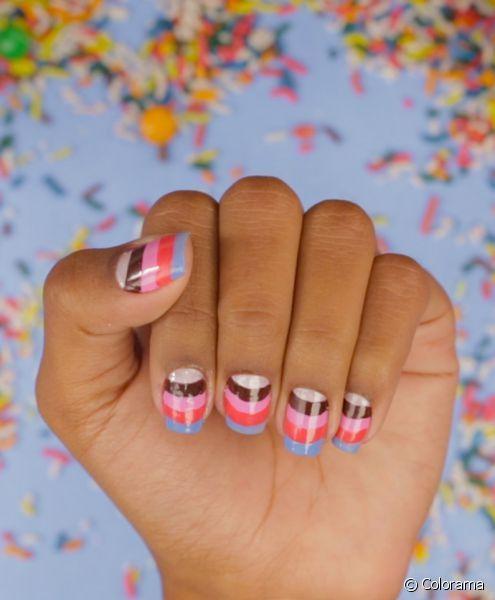 Unhas coloridas são o desejo de muitas garotas quando as estações mais quentes começam a dar as boas-vindas. O tutorial da vez é uma nail art super divertida inspirada nas cores de um mundo doce. Entr...