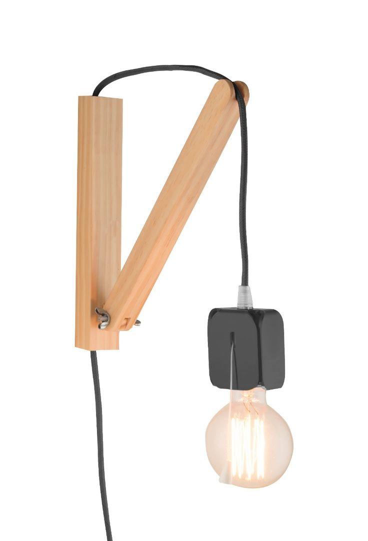 luminária de parede em madeira com cabo têxtil colorido.