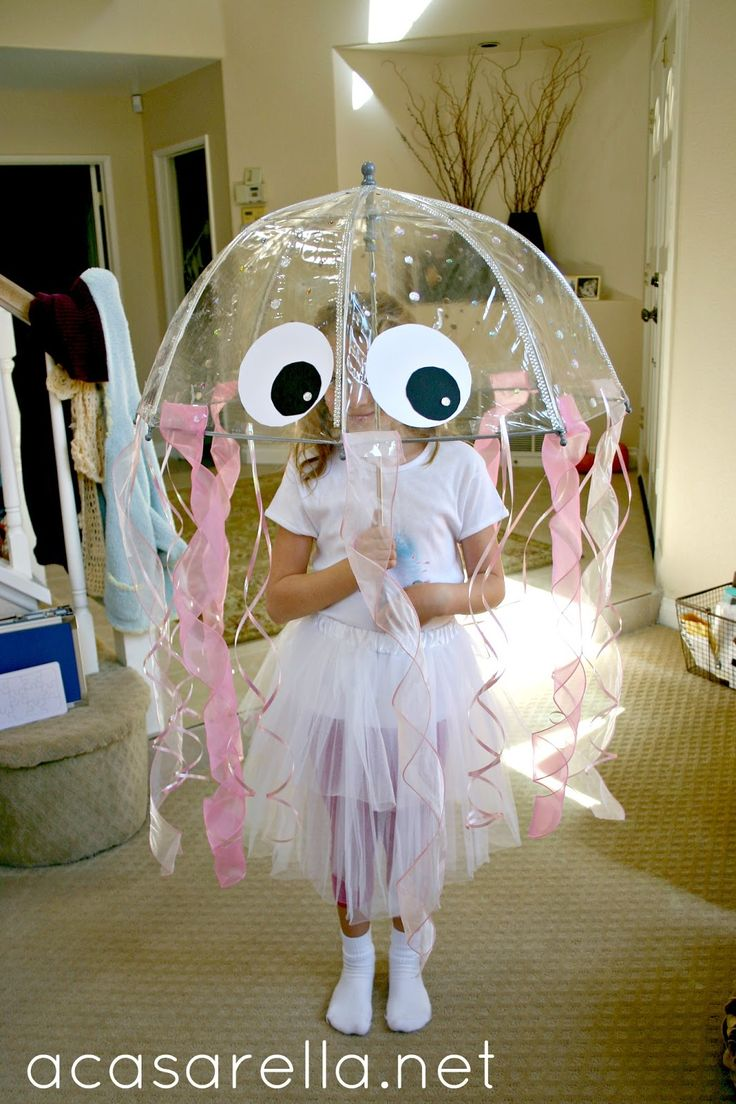 'A Casarella: DIY Jellyfish Costume