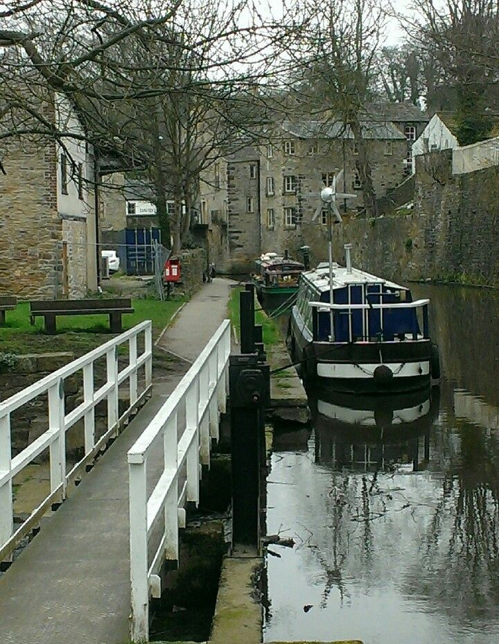 Mooring in Skipton on the Leeds & Liverpool Canal - photo by John Temperley. Take a 4 night break and cruise to Skipton and return from Reedley marina. For more information visit www.abcboathire.com