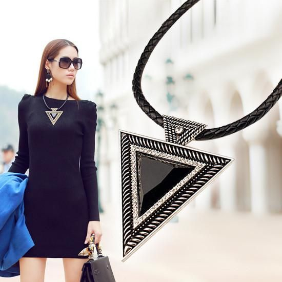 LadyArc Hot Triangle Pendant Necklace