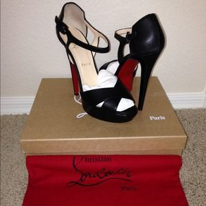 I just discovered this while shopping on Poshmark: Louboutin sporting 140 black strappy heels. Check it out!  Size: 10
