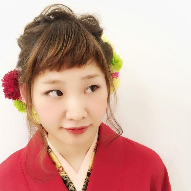 生花ヘアで成人式、卒業式も可愛く♡ 着物アレンジ アップスタイル [オブヘア] http://www.ofhair.co.jp/sp Of HAIR [オブヘア]  最新トレンドヘアスタイルや動画を配信。掲載スタイルは全てOf HAIR オリジナル 店舗のURLはこちらから⇧⇧⇧ 初めての方はHPからクーポンをご利用ください。 オブヘアは、お客様と共に自社開発するコスメメーカー Ofcosmetics [オブ・コスメティックス] を持つヘアサロンです。 #卒業式ヘア #卒業式ヘアセット #成人式 #成人式ヘア #成人式ヘアセット #結婚式ヘア #結婚式ヘアアレンジ #二次会ヘアアレンジ #編み込みアレンジ #三つ編みアレンジ #簡単アレンジ #くるりんぱ #ねじりんぱ #ヘアアクセサリー #銀座 #表参道 #お洒落 #美容師 #fashion #ヘア #アレンジ #ヘアアレンジ #hair #グレージュ #ヘアスタイル #スタイリング #髪型 #メイク #セット #ヘアセット #ヘアアレンジ #巻き方 #可愛い #東京