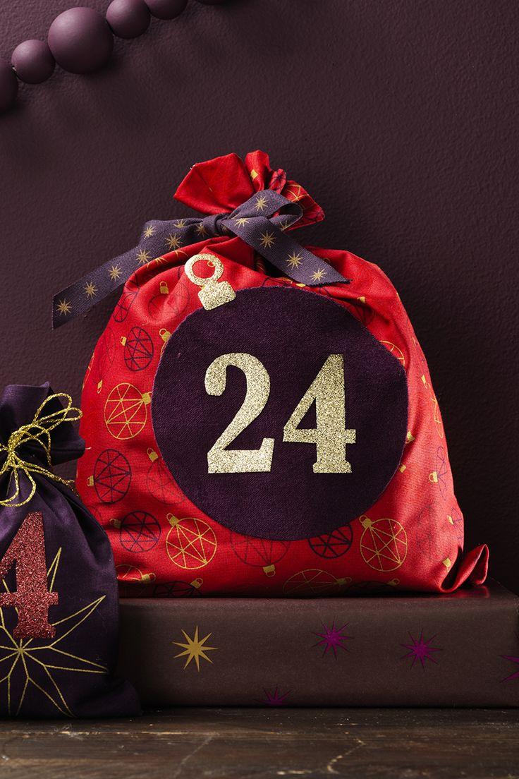 Fabric bags for your christmas calendar www.panduro.com Christmas Decor by Panduro #christmas #decoration #DIY #ornaments #christmascalendar #advent  #julkalender #kalender #paketkalender #adventkalender #adventskalender #jul #countdown #kalenderpåsar #Scandinavian