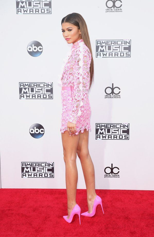 Zendaya at the 2015 American Music Awards in LA 11/22/15