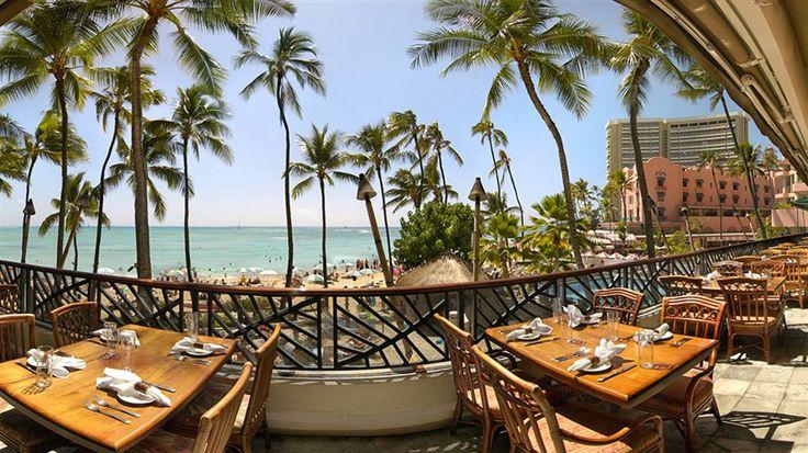Hula view. Pink Hotel to right is the Royal Hawaiian.