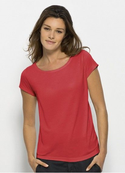 Rada in Modal - ladies' drapy boat neck tee made from Lenzing Modal® in Hibiscus. Fair trade and sustainably processed beechwood fibre. Made in Bangladesh. #fairtrade #beechwood #sustainablefashion