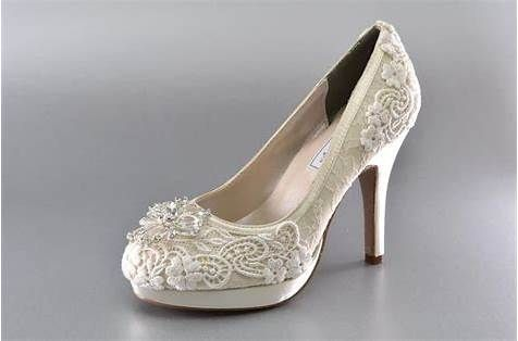 2c3cb57788025 Pin by SabJoe on Shoessss in 2019 | Wedding shoes, Bridal shoes, Wedding
