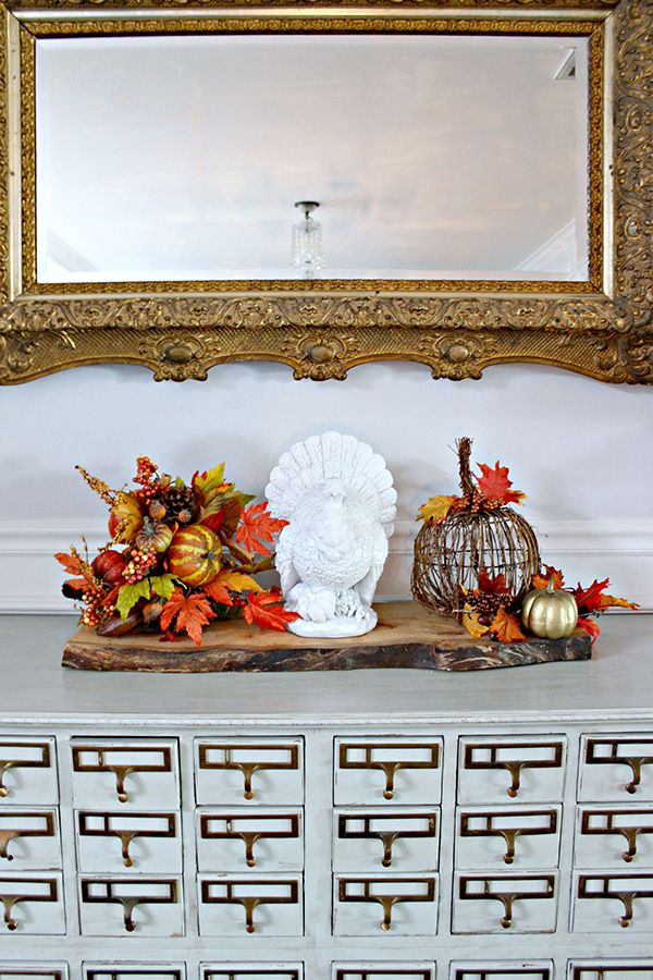 Fall and Thanksgiving Decorations for the Dining Room