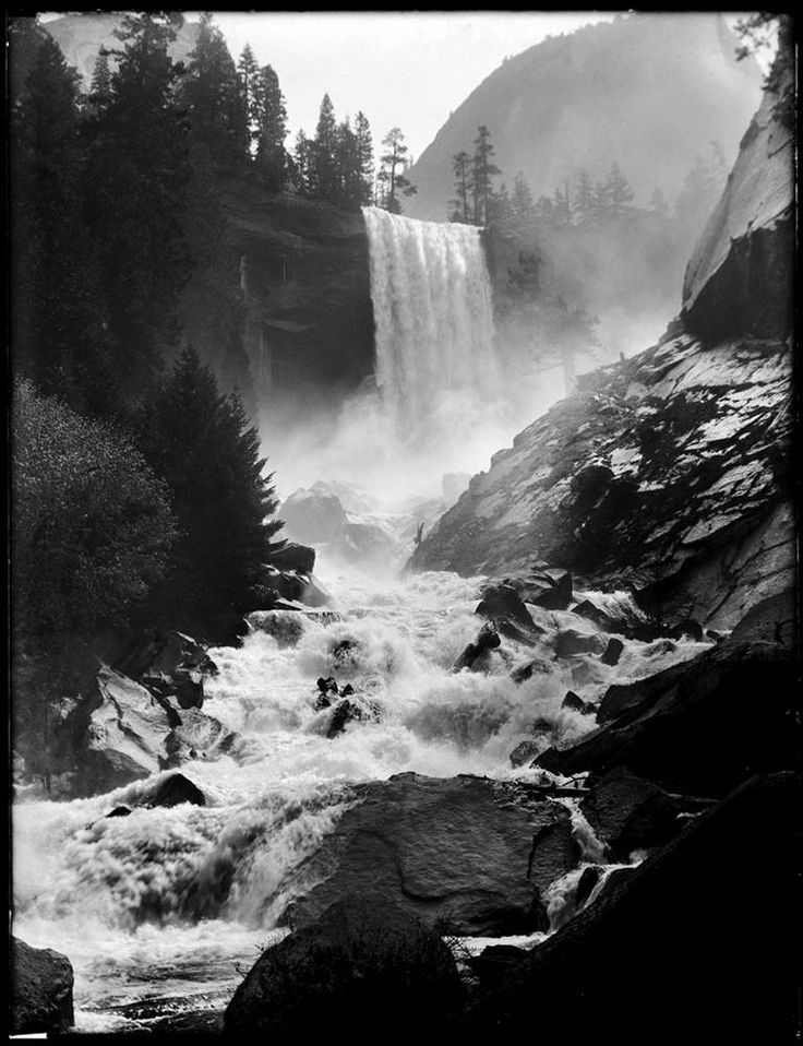 an analysis of ansel adams works in photography Anybody serious about their photography has already heard of ansel adams, and probably seen at least some of his work for those who haven't, ansel adams is one of.