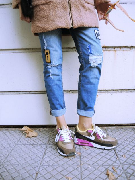 #patches #fur #clutch #pinkcoat #nike #airmax MORE: http://www.misslittletouch.com/2014/04/15/patch/