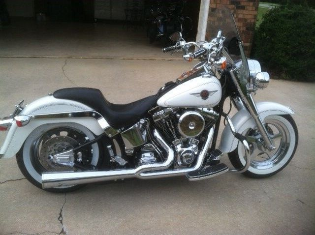 2000 Harley-Davidson FAT BOY Cruiser , Pearl white, 24,000 miles for sale in Muscle shoals, AL
