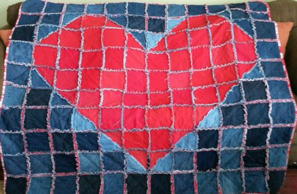 Jean Heart Rag quilt. An upcycle project made with jeans and t-shirts.