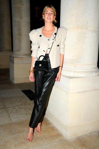 Im Trend: Eine starke Schulter zum Anlehnen!   Modestil