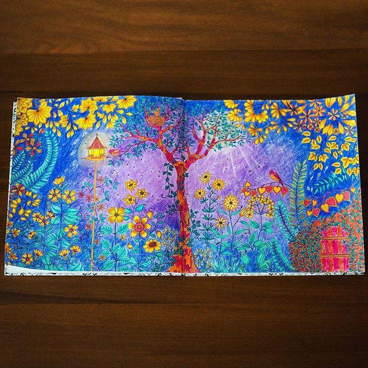 """""""Кто-то рад стараться)) #понесло #остановитеменя #раскраска #чарівнийсад #волшебныйсад #джоаннабасфорд #johannabasford #secretgarden #coloringbook"""""""