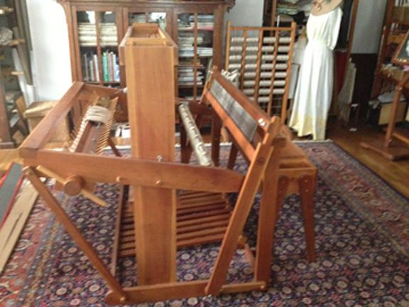 Kyra 8 Harness 48 Quot Floor Loom And Bench Floors Loom And