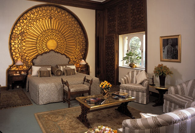 Gilded headboard oberoi hotel egypt hoteles for Interior design egypt