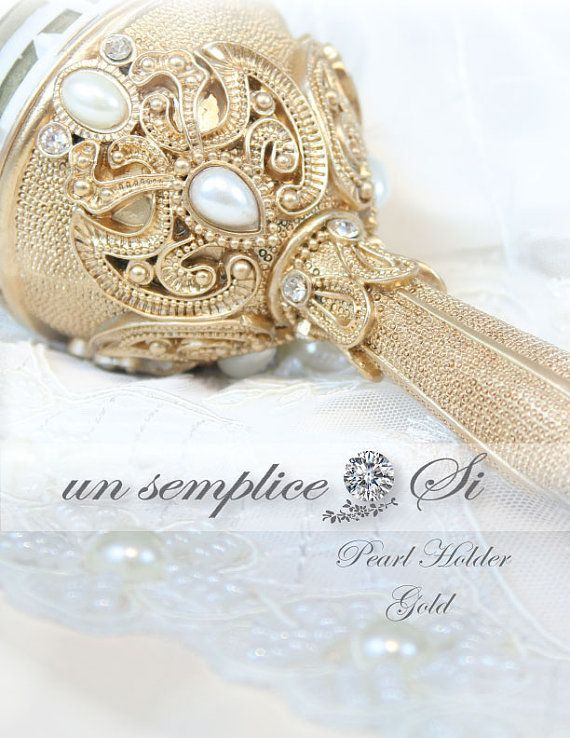 @trmalone3640 Bouquet Holder Pearl and Rhinestone Holder Brooch by UnSempliceSi