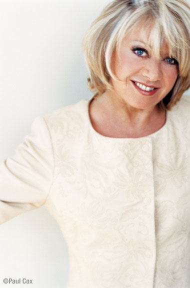 Elaine Paige  Famous for many roles but mostly Grizabella from CATS and the hit song 'Memory'.