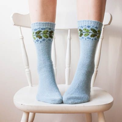 Vide socks is a basic sock pattern with a beautiful colour section that makes…