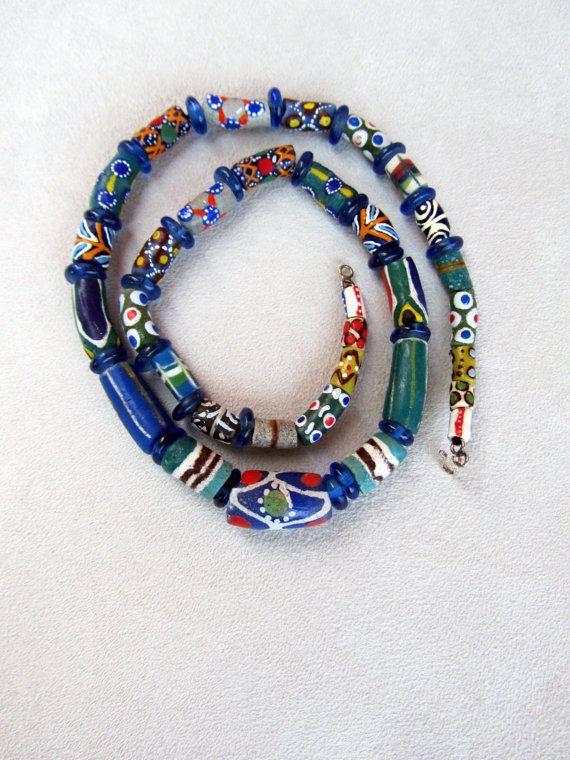 Collana di vetro riciclato dell'Africa occidentale di nad205