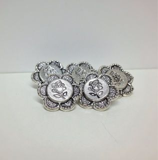 Antique Style Rose Buttons (New)  Silver Plated Zinc Alloy Rose Flower Shape Metal Buttons  Set of 5 Buttons  More than one Set Available with Free P&P (UK only)