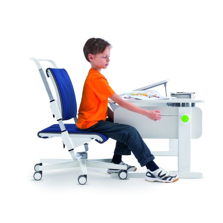 Champion desk by Moll and Scooter Chair. Adjusting the height of the desk with the seamless yo-yo adjusting mechanism that can be removed. Adjustable Scooter chair that takes loads up to 90 kg and from ages around 5 into the teens. Removable covers for seats in many colours.