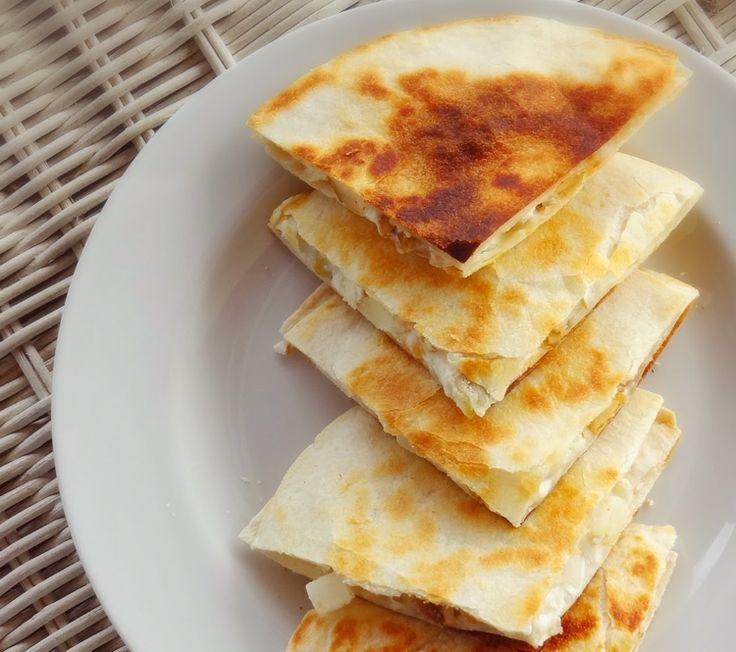 Γρήγορη παραδοσιακή τυρόπιτα. Από την Άντζελα Κροκίδη.