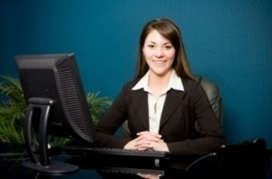 http://www.paralegalcareeroptions.com/paralegaljobhuntingtips.php has some practical advice for novices and the experienced on how to earn a paralegal job.