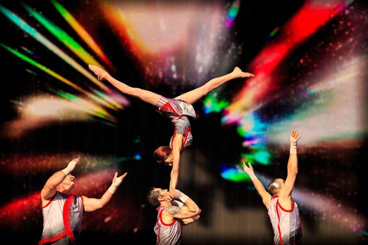 Voir un spectacle du Cirque du Soleil  Une autre fierté québécoise rencontre un grand succès à Las Vegas. Huit spectacles différents (  O. Zarkana, Mystère...) peuvent être vus en ce moment.
