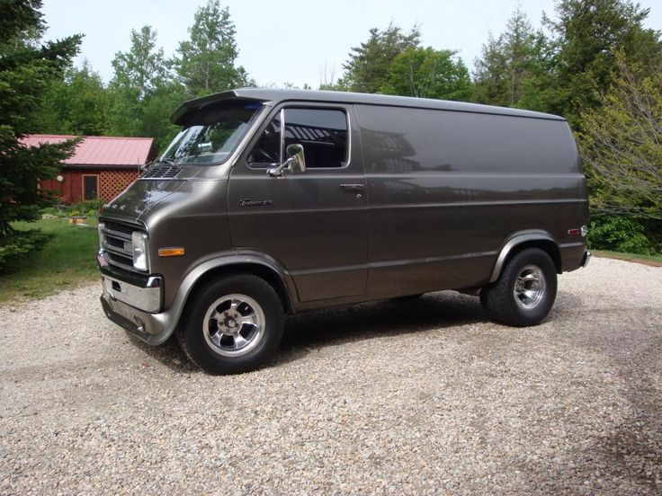 1977 Dodge Van - The wheels and tires are sweet!