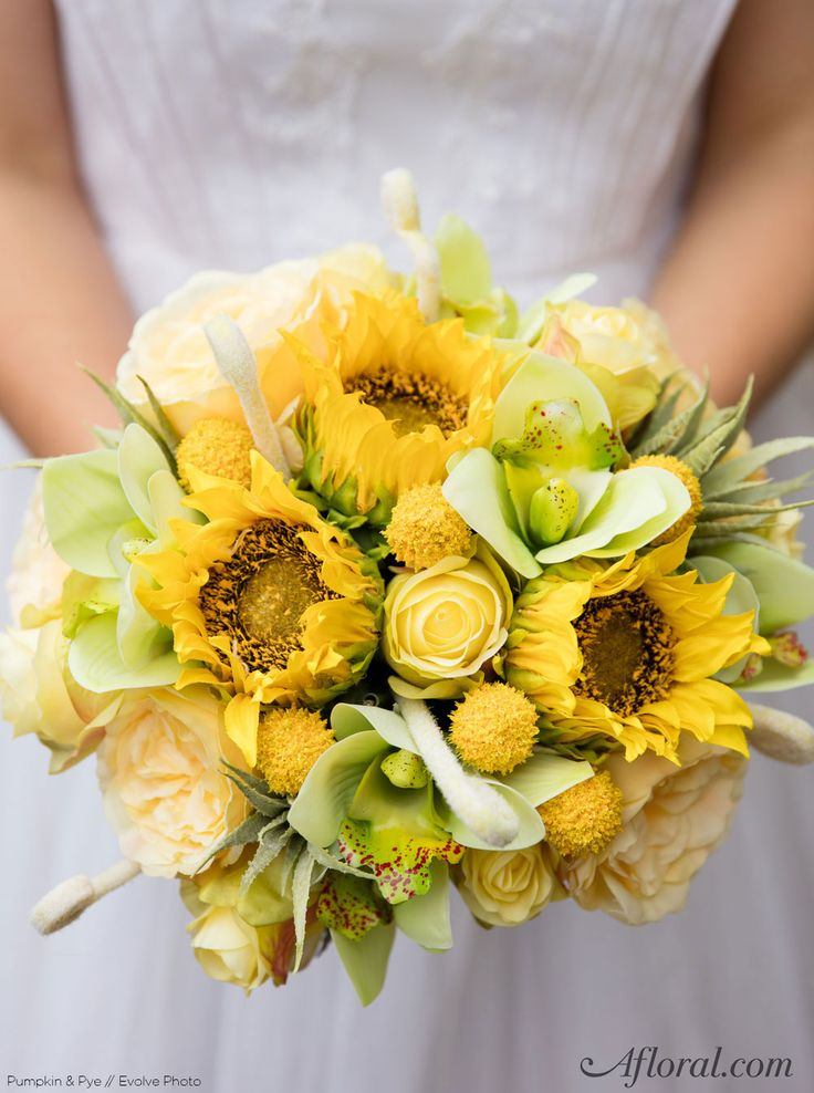 wedding bouquets sunflowers 134 best yellow wedding flowers images on 8536