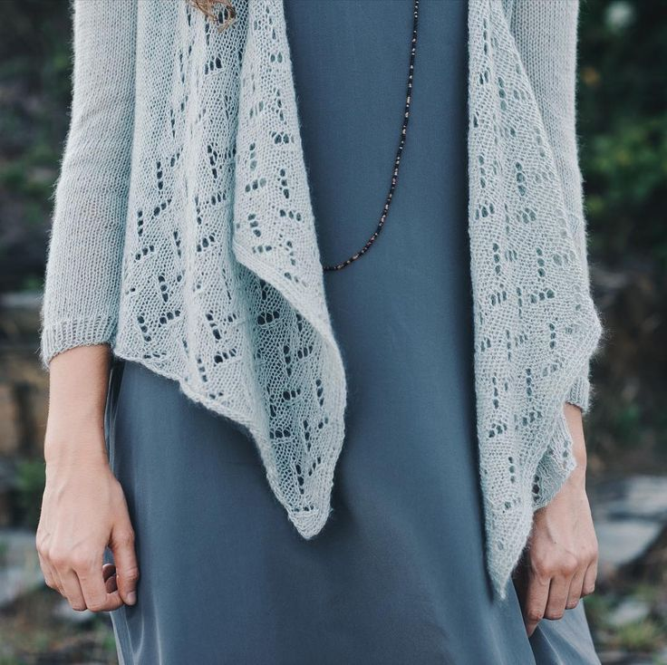 Pretty lace details on our Thursday pattern release: The Estuary cardi by Dawn Catanzaro! Shown here in Piper color San Angelo - so ethereal and light. #quinceestuary #piper2017 #quinceandco