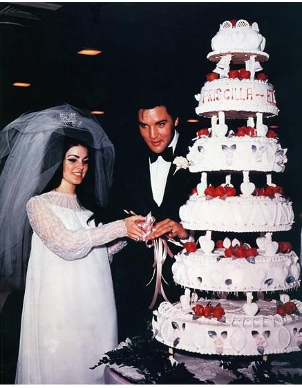 Priscilla Presley's big hair and even bigger veil #wedding #vintagewedding #elvis
