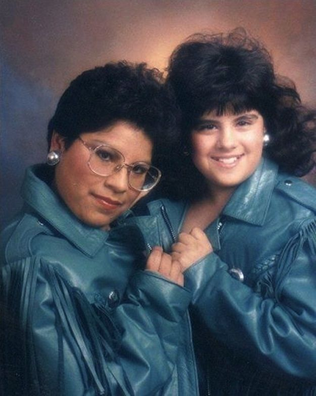 12 Ways To Achieve The Very Best Glamour Shot. I am DYING over this!!!! If you were alive in the 90s you KNOW you wanted to and maybe even did...I sure did and even wore the same aqua frilly top as one of these beautiful ladies! Worth the time to scroll through!