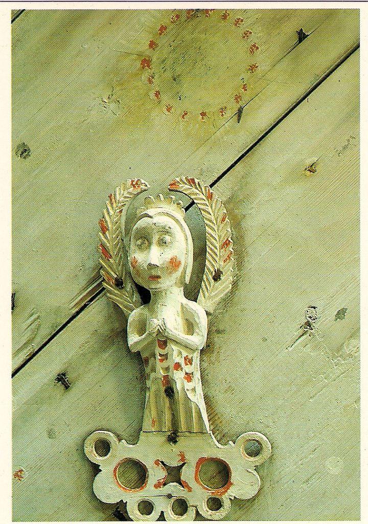 Enkeli, Petäjäveden Vanha Kirkko (wooden church angel, architectural detail)
