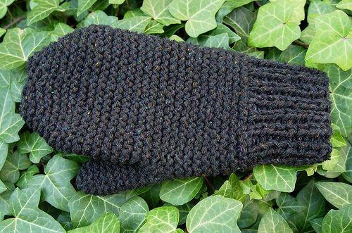 Garter stitch mitten by joannamajorna, - free pattern