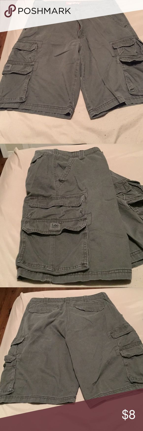 Men's Lee cargo shorts These shorts are a bluish gray color. In very good condition lee dungarees  Shorts Cargo