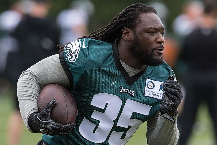 LeGarrette Blount's bank account doesn't match his career contributions