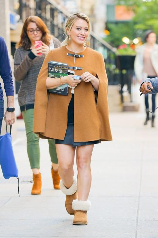 The always fashionable HilaryDuff is #fall ready with our iconic classic boots and a cape to match. http://www.ugg-au.com/  #UGGforwomen  #thisisUgg
