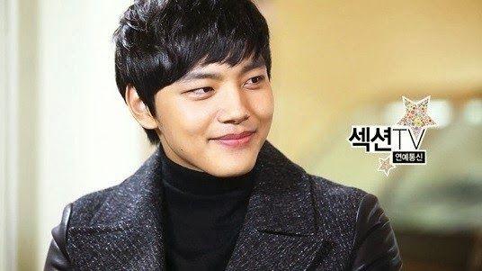 Yeo Jin Goo reveals to be a big fan of G-Dragon - Latest K-pop News - K-pop News   Daily K Pop News